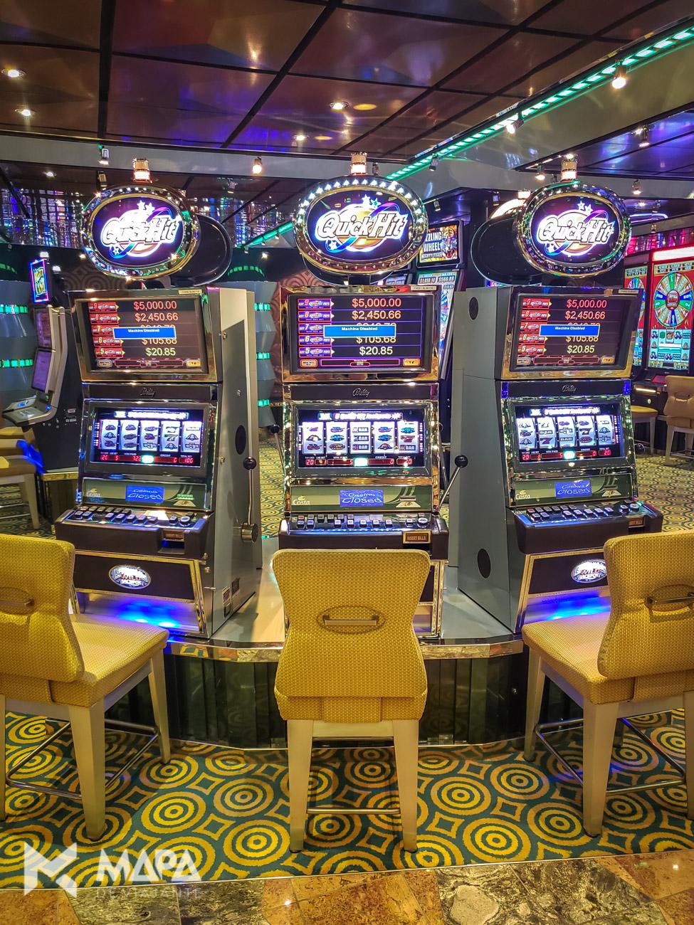 Casino funciona sempre que o cruzeiro está em alto mar.