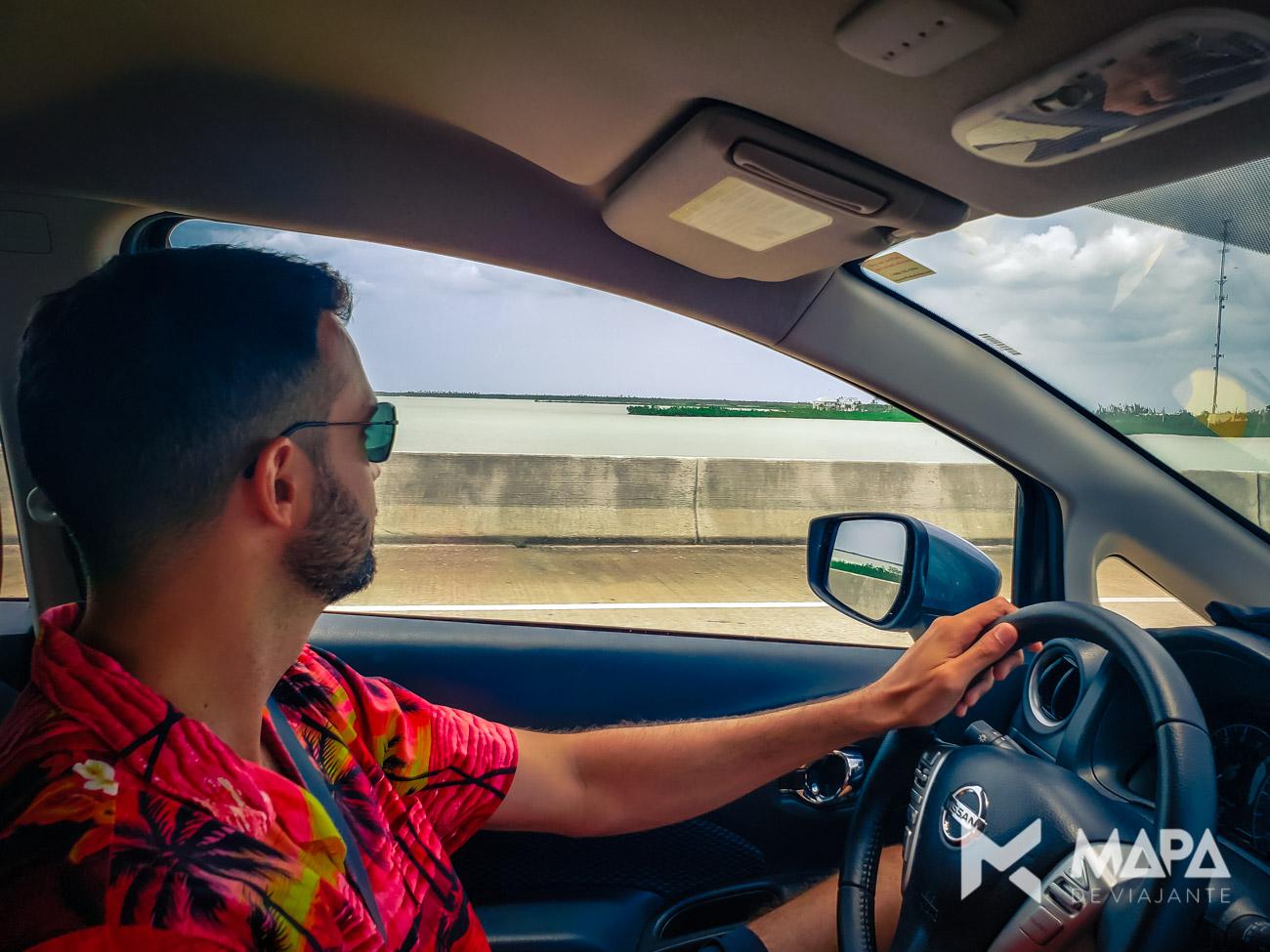 A viagem de carro até Key West é muito tranquila.