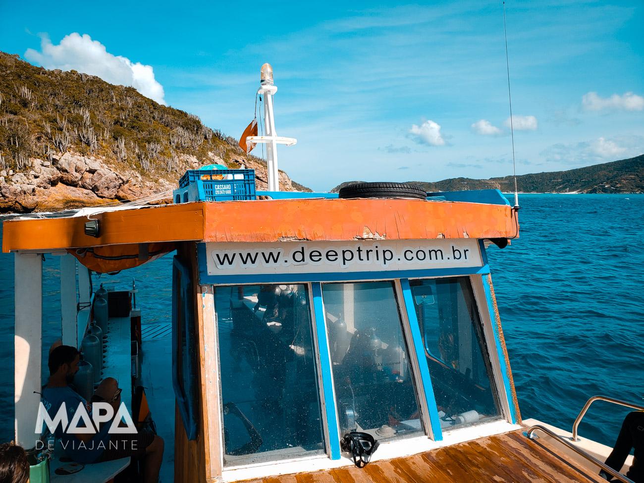 Barco da Deep Trip Mergulho