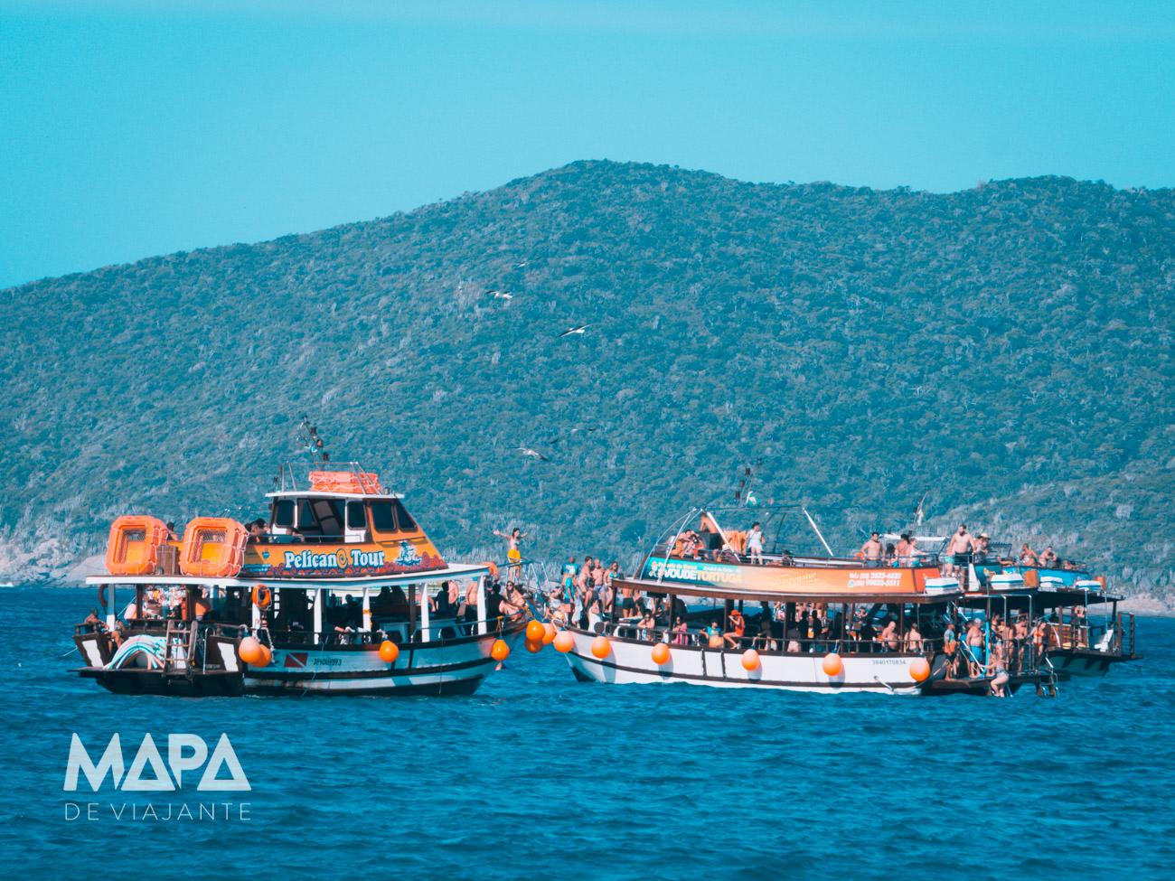 Barcos em Arraial do Cabo