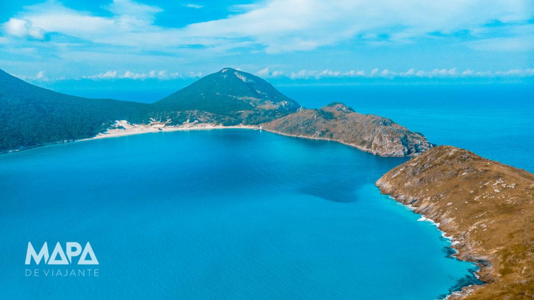 Vista aérea da Praia do Farol em Arraial do Cabo