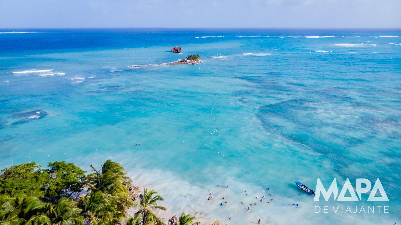 Praia e Ilha de Rocky Cay