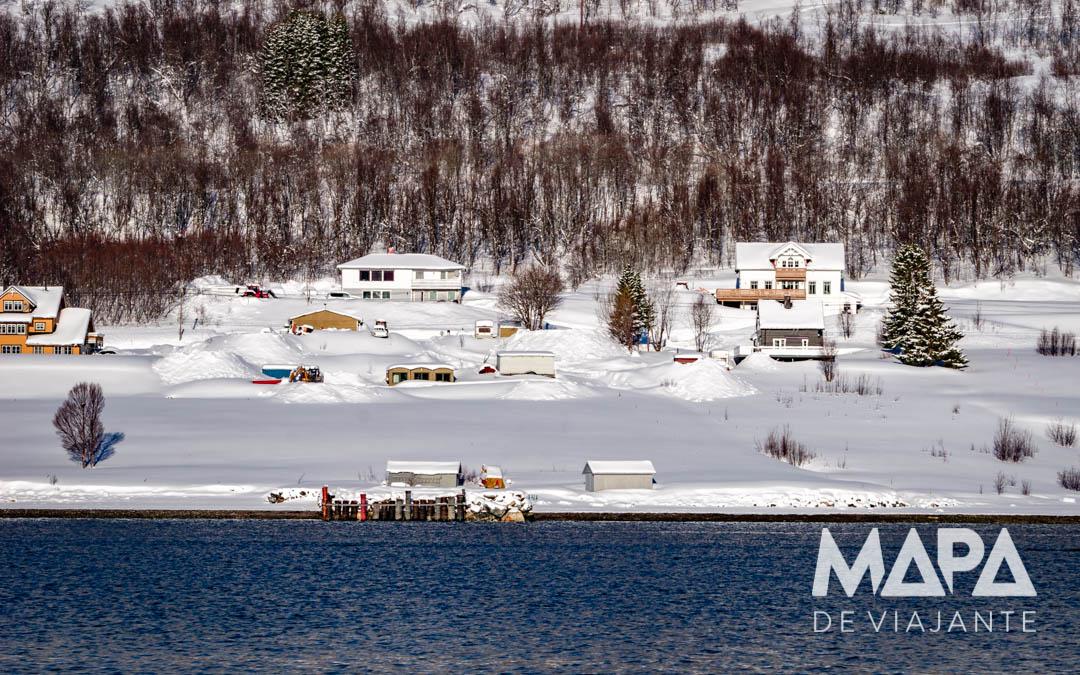 Paisagem nevada em Tromso Noruega